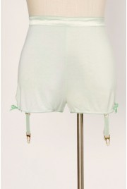 Garter Shorts in pale clover